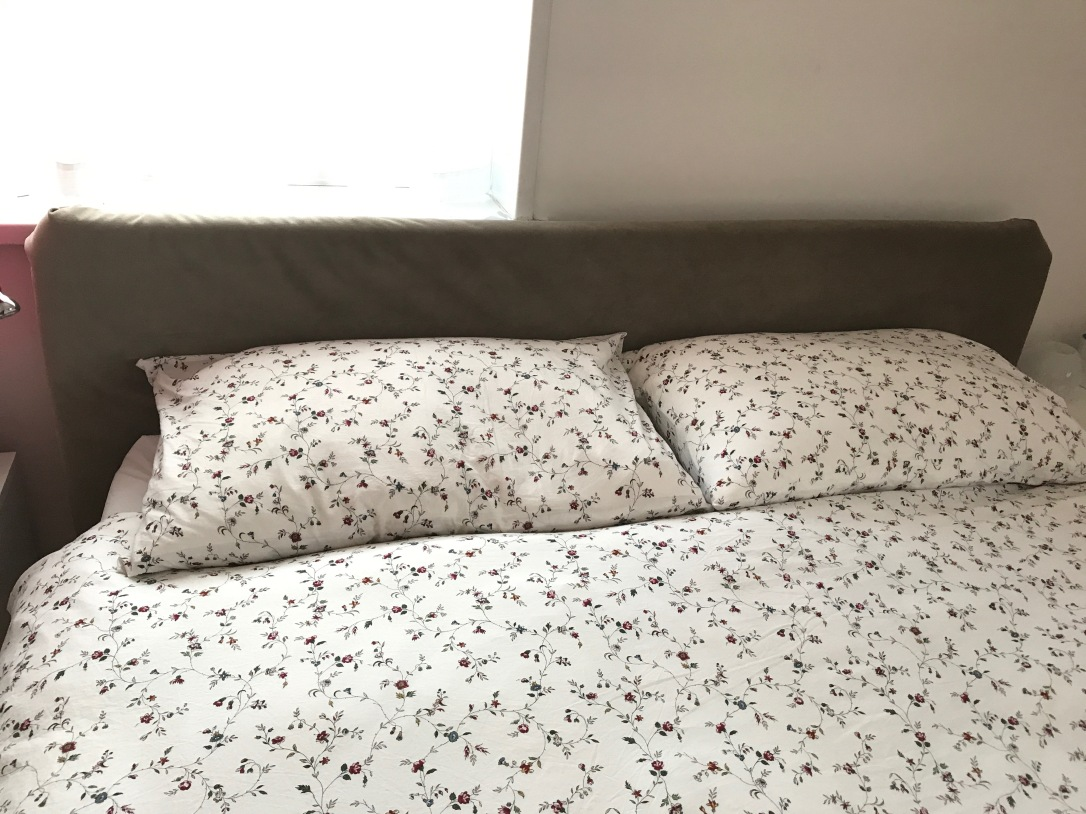 Bed detail 2
